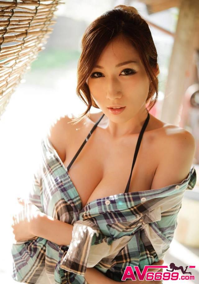 Julia AV女優 截圖1